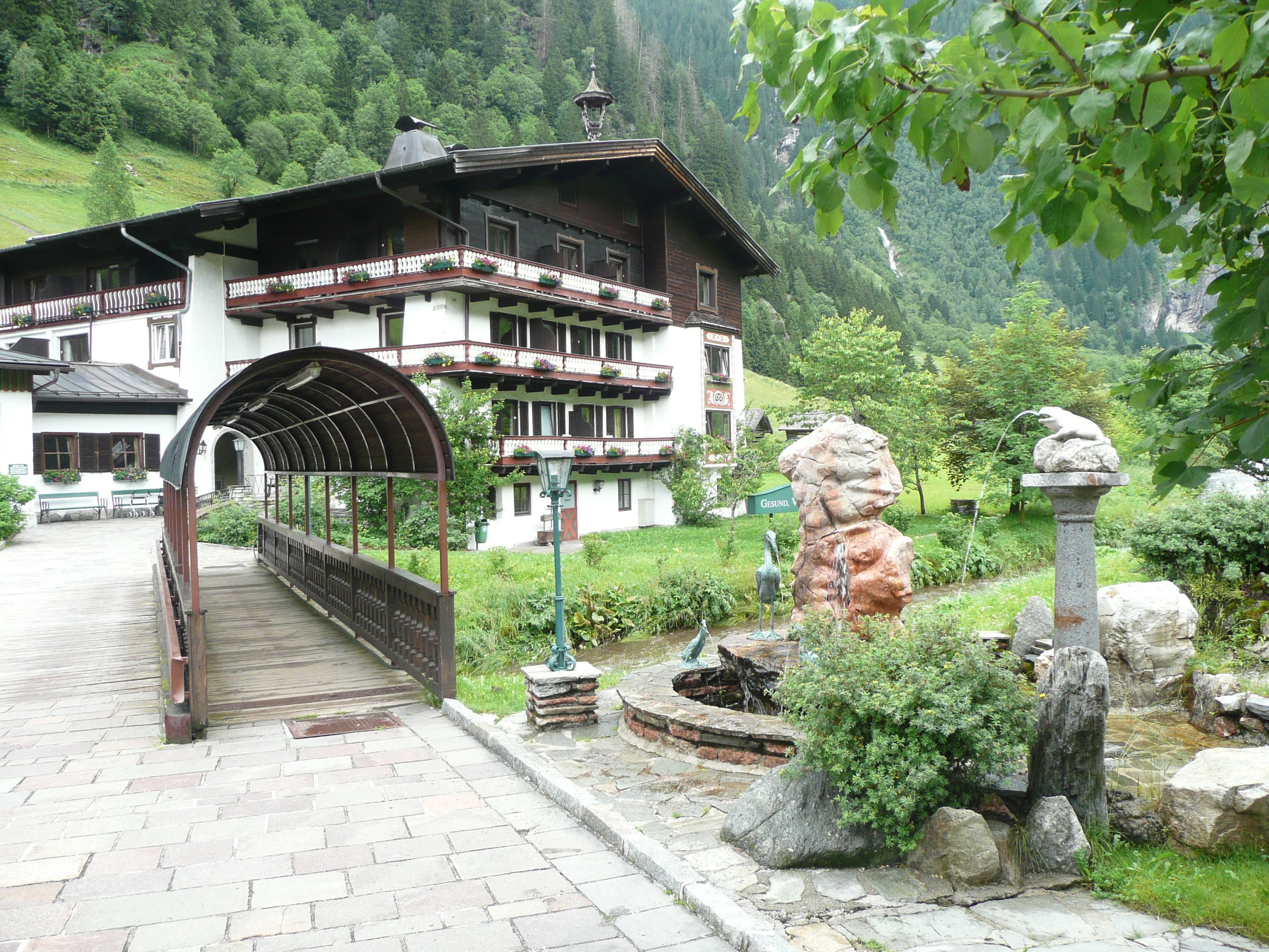 Bockstein Austria  city photo : Grüner Baum has a delightful spa and its own supply of therapeutic ...