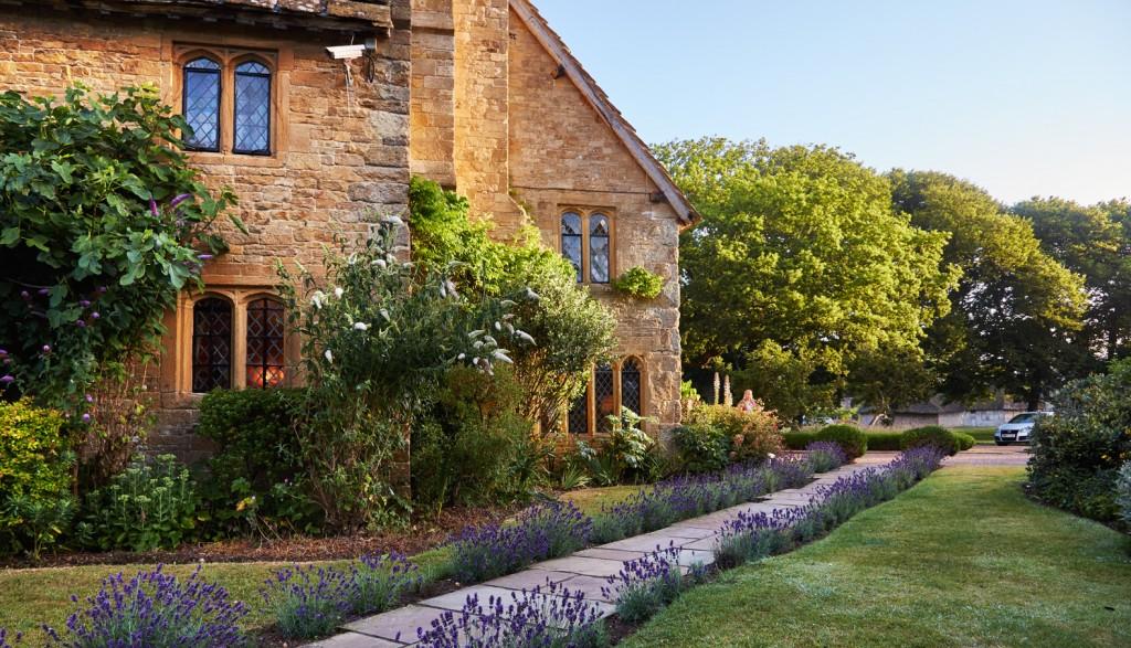 Bailiffscourt lavender path
