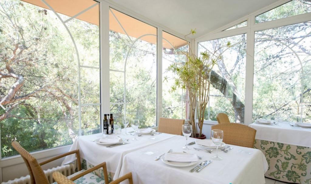 Dining Room at Thalassa Hotel El Palasiet