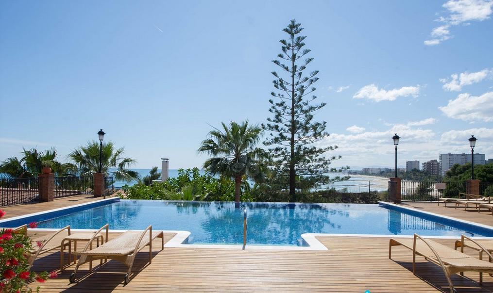 Outdoor pool at Thalassa Hotel El Palasiet