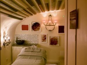 Tapestry treatment room, Spa 15, Bath